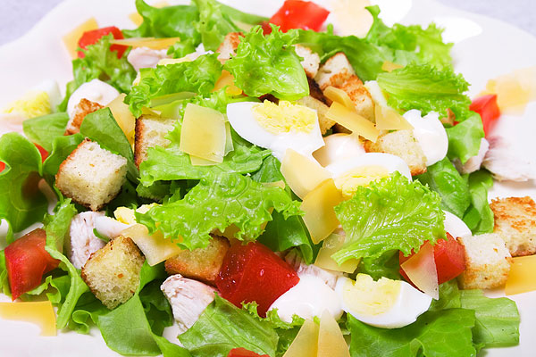 Салат Цезарь от Эктора Хименеса-Браво, салат цезарь от эктора, салат цезарь рецепт, как приготовить салат цезарь
