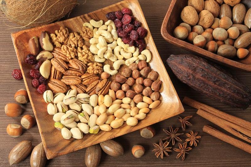 чем полезны орехи, чем полезен грецкий орех, чем полезен фундук, чем полезен миндаль, чем полезны фисташки, чем полезны кешью