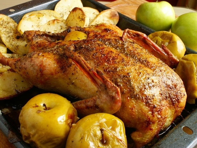 Все буде смачно, все буде смачно утка, как запекать утку, Сергей Калинин утка, утка с яблоками рецепт, утка с гречкой и черносливом рецепт, Оксана Байрак все буде смачно, Оксана Байрак утка