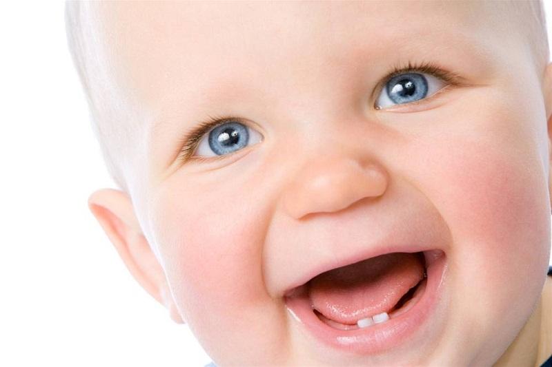 насморк и зубы, насморк при прорезывании зубов, у ребенка лезут зубы