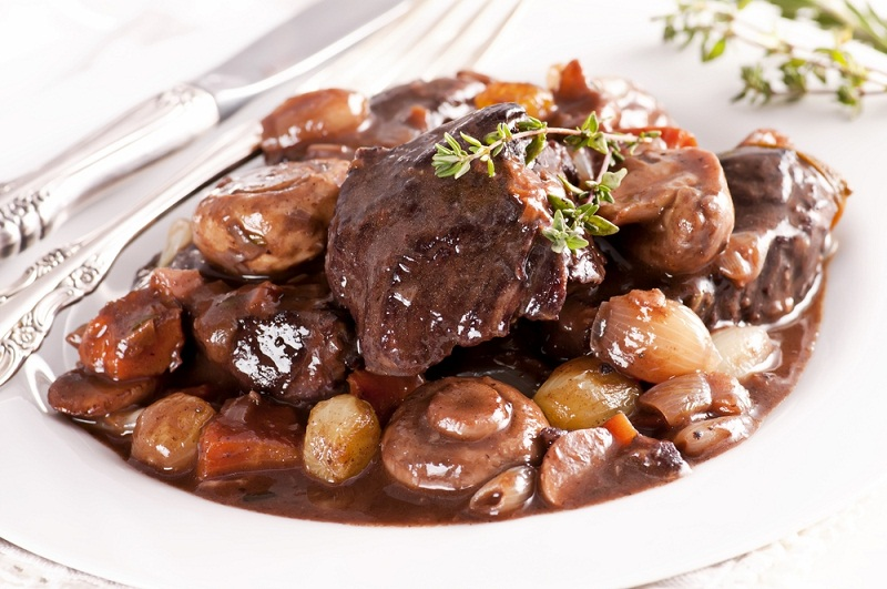 Эктор Хименес-Браво рецепты, говядина по-бургундски рецепт, говядина по-бургундски от эктора, как приготовить говядину по-бургундски