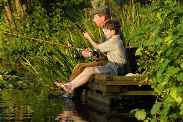 ребенок на рыбалке, рыбалка