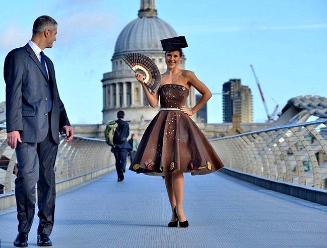 платье из шоколада, шоколадное платье, мода