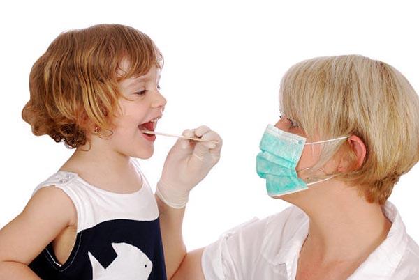 здоровье ребенка, как вылечить горло ребенку