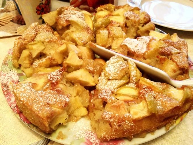 Все буде смачно, все буде смачно шарлотка, шарлотка с яблоками рецепт, яблоки в карамели рецепт,