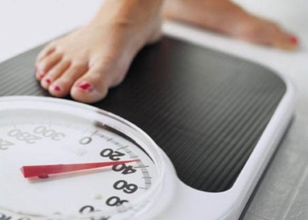 почему скачет вес, скачки веса что делать,