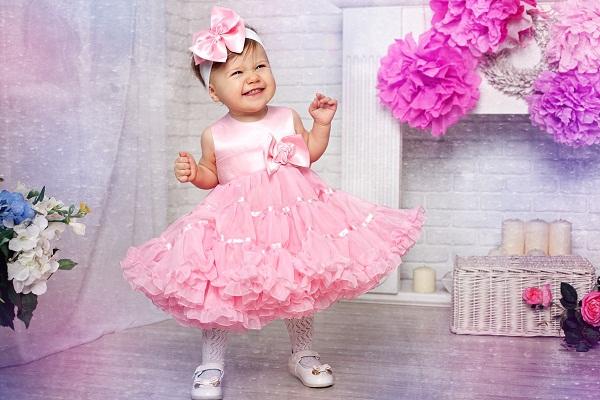 как выбрать платье для девочки